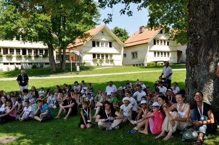 Die Kinder stammen aus sieben Heimen Moldawiens und leben daheim in Armut – in der Schweiz verbringen sie gemeinsam zwei Wochen. Foto: swisscor (2012)