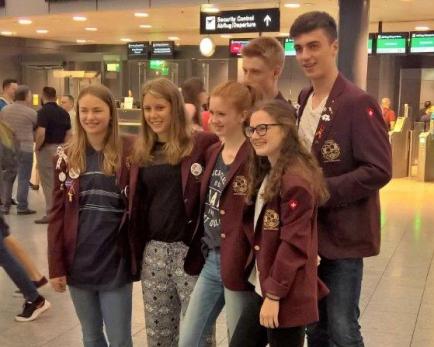 Outbound Lukas Arnold beim Abflug nach Kolumbien in Zürich-Kloten