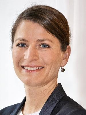 Salome Krummenacher, Sekretärin
